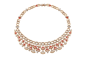 Divas' Dream 18K Pink Gold Necklace with mother of pearl & pave