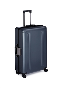 "ZRO 28"" 4-wheel spinner suitcase"