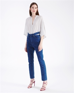 CUT-OUT ON THE WAIST JEANS