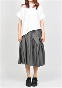 SWITCHING PLEATS SKIRT