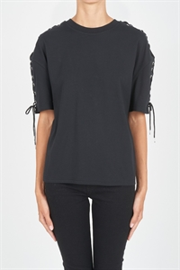 LACED S/SLEEVE TOP