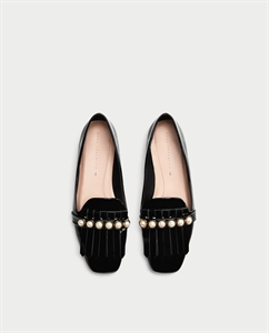 PENNY LOAFERS WITH PEARLS