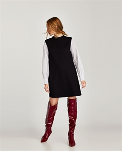 DRESS WITH CONTRASTING SLEEVES