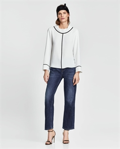 BLOUSE WITH CONTRAST PIPING
