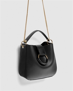 MEDIUM BUCKET BAG WITH HOOP