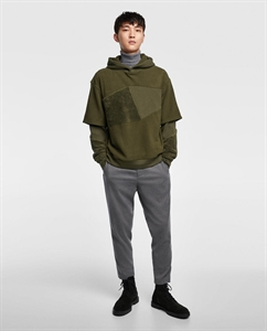 COMBINED HOODIE WITH SLEEVE SEAMS