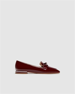 FAUX PATENT LEATHER LOAFERS WITH BOW DETAIL