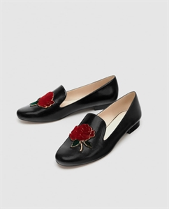 FLAT SHOES WITH PATCH DETAIL