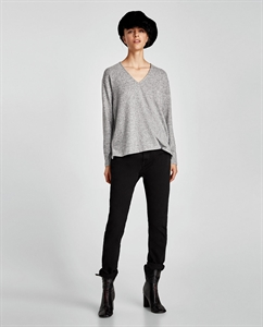 SOFT FEEL SWEATER WITH APPLIQUÉS