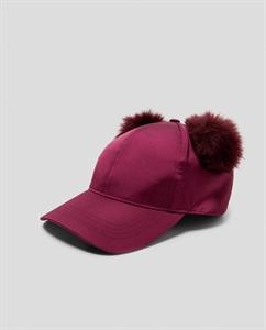 POMPOMS CAP