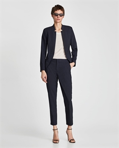 INVERTED LAPEL BLAZER