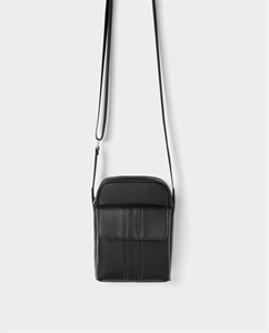 BLACK MINI CROSSBODY BAG WITH FLAP