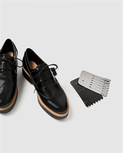 FLATFORM DERBY SHOES WITH REVERSIBLE FRINGE