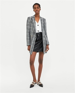 FAUX LEATHER SKIRT WITH TOPSTITCHING