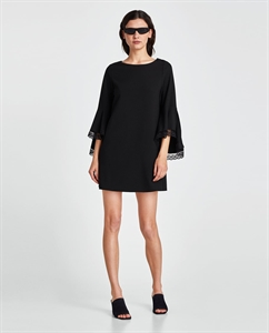 DRESS WITH CONTRASTING RUFFLED SLEEVES