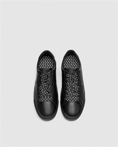 SNEAKERS WITH POLKA DOT LACES