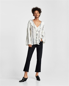 LACE BLOUSE WITH RUFFLES