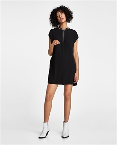 RIBBED DRESS WITH CONTRASTING TOPSTITCHING