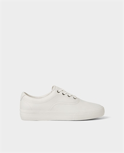 WHITE PLIMSOLLS WITH THICK SOLES