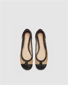 BRAIDED RAFFIA FLAT SHOES