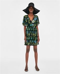 PLEATED DRESS WITH CONTRASTING PRINT