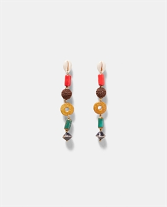 CONTRASTING BEADED EARRINGS