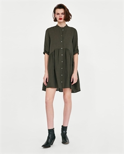 BUTTON-UP RUFFLED DRESS
