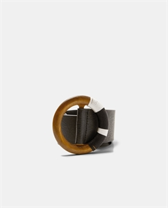 BELT WITH ROUND WOODEN BUCKLE