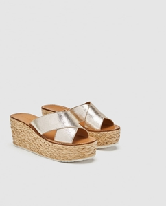 LEATHER WEDGES WITH CROSSOVER STRAPS