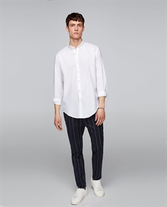 EMBROIDERED TEXTURED WEAVE SHIRT