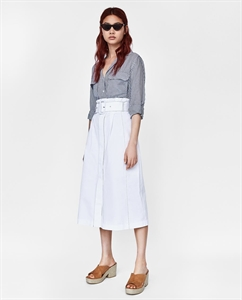 MIDI SKIRT WITH CONTRASTING TOPSTITCHING