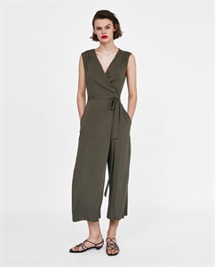 LOOSE-FITTING WRAP JUMPSUIT