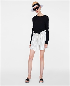 STRIPED BERMUDA SHORTS WITH PAPERBAG WAIST