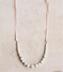 Pearl Present Necklace