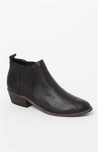 Steve Madden Tallie Ankle Boots
